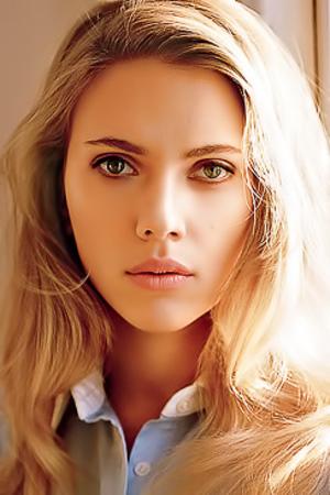 9 Elegant Ladies Modeling