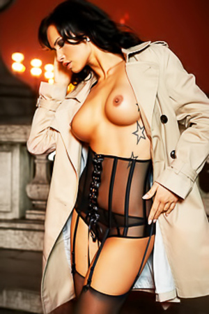 NOELLE MONDOLONI IN PLAYBOY GERMANY
