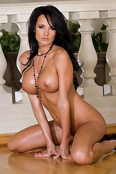 Alektra Blue Busty Naked Babe