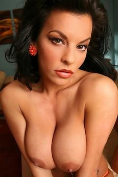 Busty Latina Nancy Erminia