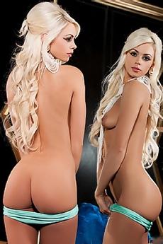 Beauty Blond Cybergirl Chloe Crawford