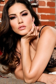 Sunny Leone Gets Naked On Couch