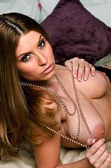 Jamie Lynn Busty MILF Picture Gallery