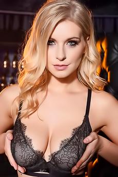 Jess Davies Undressing