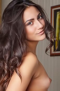 Cira Nerri Beautiful Latina Girl