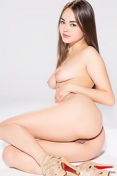 Delicious Asian Girl Li Moon