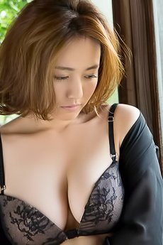 Busty Asian Beauty Sayaka Isoyama Via SexAsian18